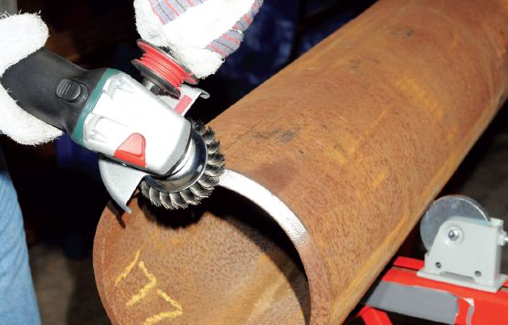 Metal Cleaning - Angle Grinder